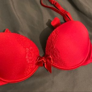 32B RED pushup bra